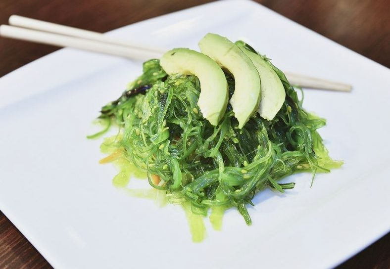 Wakame and avocado salad