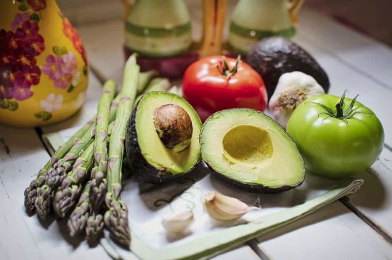 Fresh vegetables, including healthy-fat-rich avocado