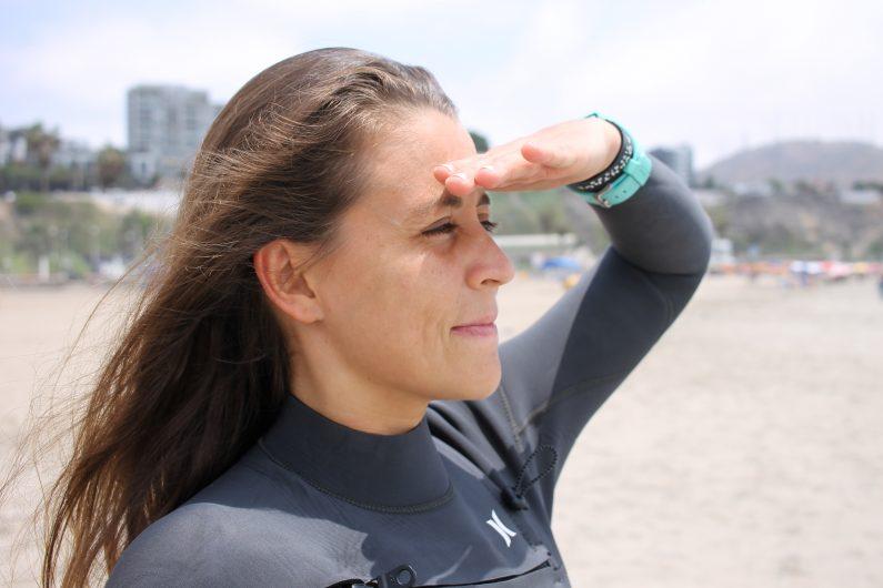 Gabriela surfing